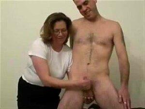 Older Whore Likes To Jerk Stranger. Dilettante Mature Porn