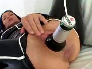 Amateur Filled Her Ass With A Whole Bottle Porn