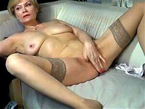 Kinky_momy Secret Video 07/02/15 On 09:49 From MyFreecams Porn