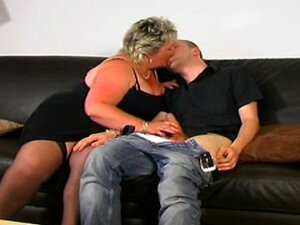 BLONDE MATURE BBW LOVES YOUNG DICK Porn