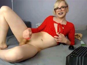Milaswift Hot Blonde Tranny Porn