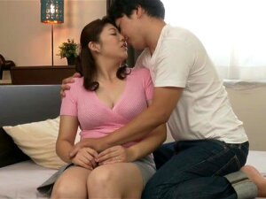 Amateur Fucking On The Bed With Busty Japanese MILF Kakui Erika Porn