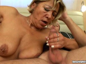 Aged Getting Screwed And Awaiting For Cum Porn