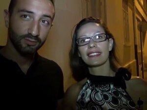 Audrey Se Fait Sodomiser En Trio Avec Son Mec Porn