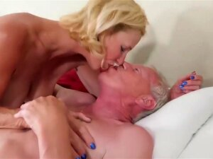 Threesome With Two Old Grandmas - Gilf Hardcore With Cumshot Porn