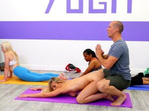 Addie Andrews Does Yoga With Sean Lawless Porn
