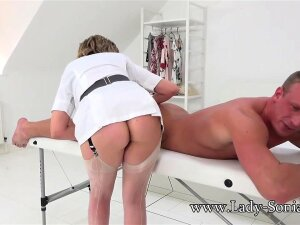 Naughty British GILF Lady Sonia Was Giving A Guy A Massage When She Started Getting Turned On! She Played With His Big Cock Then Let Him Pound Her Sweet Pussy! Porn