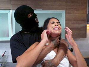 Vienna Black Gets Attacked By A Robber In Mask Porn