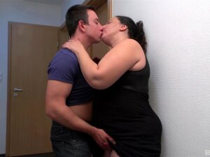 The Moves This Fat Auntie Has Drives The Guy Insanely Horny Porn