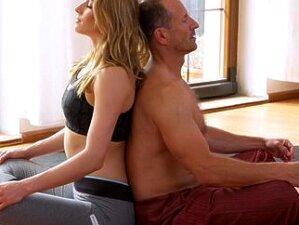 FitnessRooms Dirty Yoga Teacher On Gorgeous Fitness Model Porn