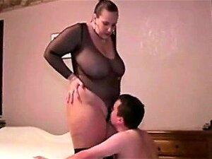 Gorgeous Mistress Asslicking Porn