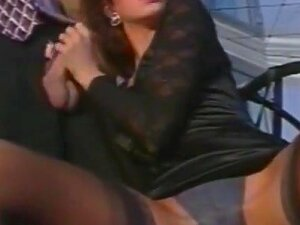 Italian Porn Movie Dubbed In French With Portuguese Subtitles. Very Good Movie From The 90 S. Luxurious Movie. Porn