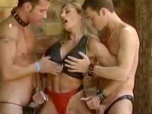 Francesca Petit Jean - Bodybulding Milf Fucked By Two Guys Porn