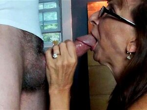 Sexy Granny Sloppy Blowjob Swallows Big Load Porn
