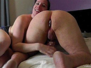 MILF WIFE SHARING DETAILS OF HER DATE WHILE MILKING HUBBY Porn