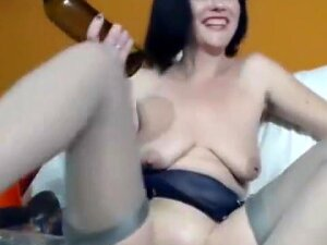 Crazy Kink MILF Fists Het Pussy Hard And Fucks Herself With A Wine Bottle Porn