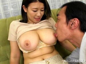 Horny Japanese With Big Natural Tits Gets Her Pussy Fingered Porn