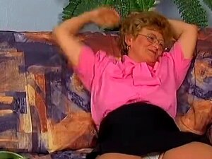 Granny And Chubby Woman Go At It With A Dildo Porn