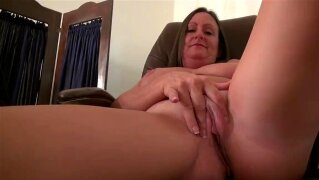 American milf Anna Moore needs getting off in nylon