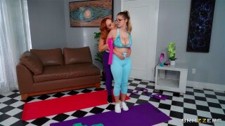 ► My Trainer Loves Big Natural Tits! Summer Hart and Codi Vore - Brazzers HD